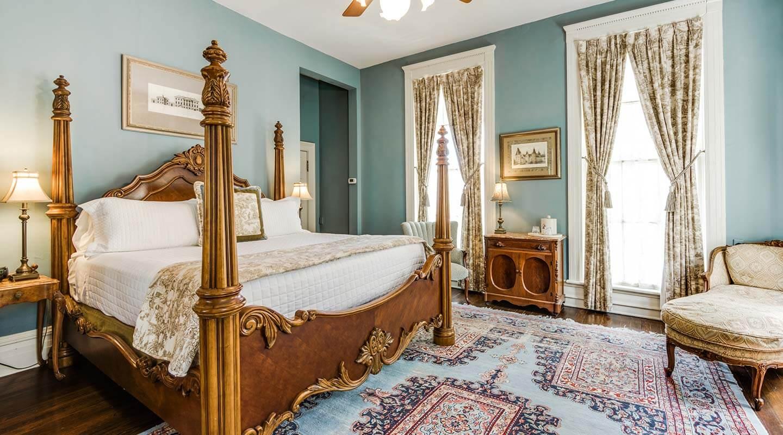 Bed And Breakfast In San Antonio Riverwalk King